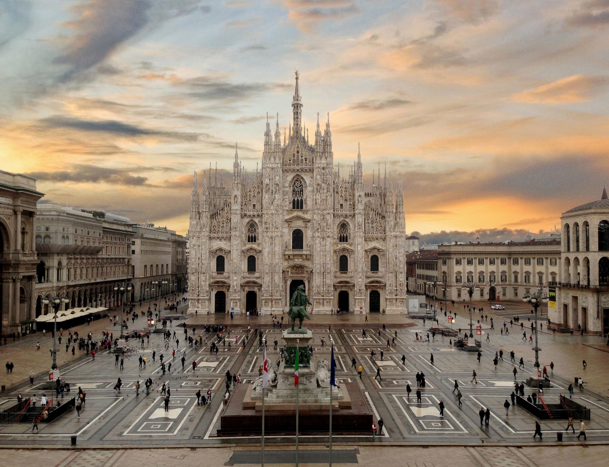 milan duomo cathedral milano sightseeing discover