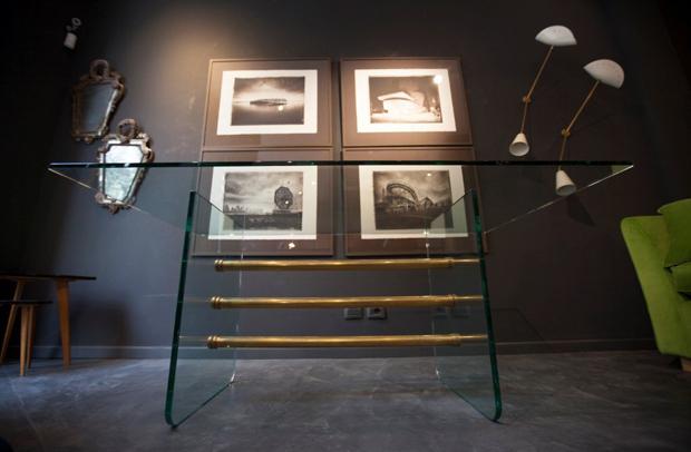 Sarfatti Sconces, Fontana Arte Desk