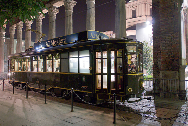 ATMosfera, dining on a tram