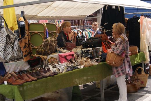 Brera 39 s traditional street market where milan what to for Milan food market
