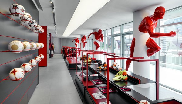 Milan Store courtesy of Andrea Martiradonna