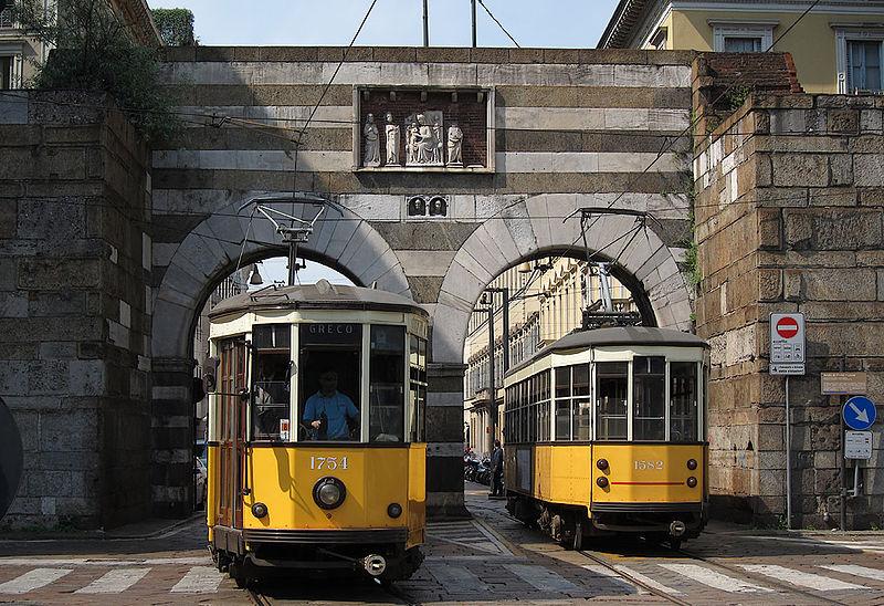 Public transport in Milan, photo credits Giorgio Stagni under c.c 3.0 licence