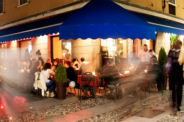 Late night restaurants in milan for Late night restaurants