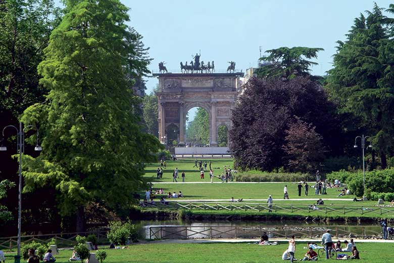 Arco della Pace viewed from the Sempione Park