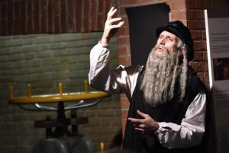 Finazzer Flory performing Leonardo da Vinci