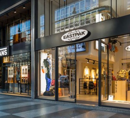dad0a45c27 Eastpak and Vans Boutique  Double Shopping Experience