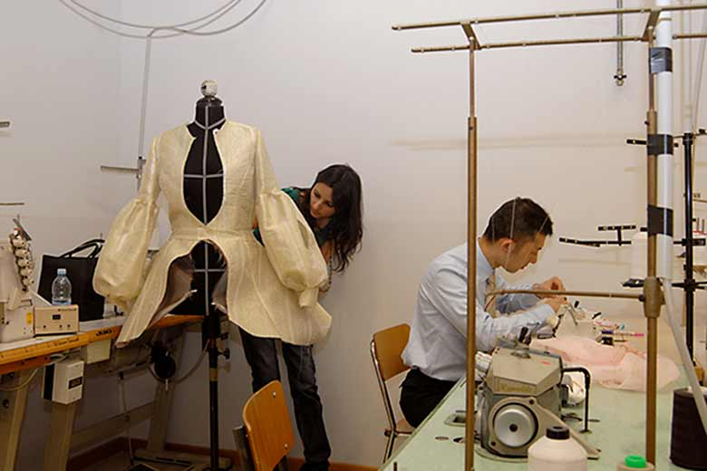 Students at work in the laboratory of Istituto Secoli