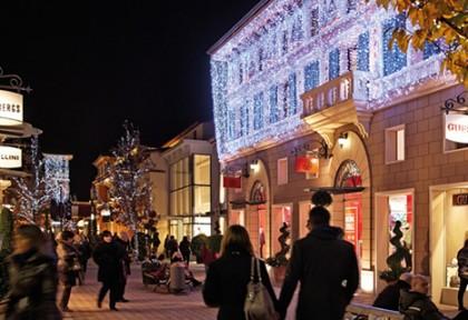Christmas_shopping_Fidenza_village