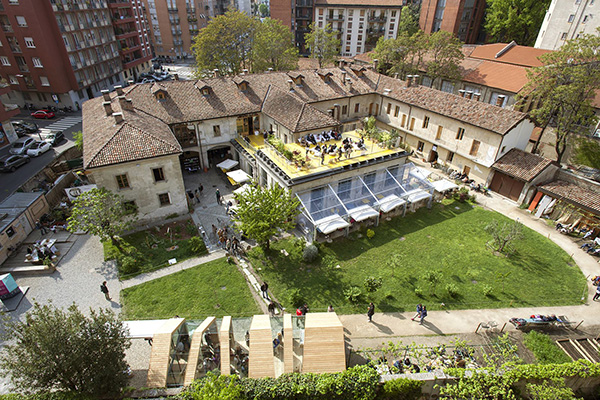 Weekly grocery market at cascina cuccagna where milan for Milano design village