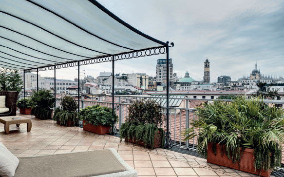 Suite with view Montenapoleone Terrace