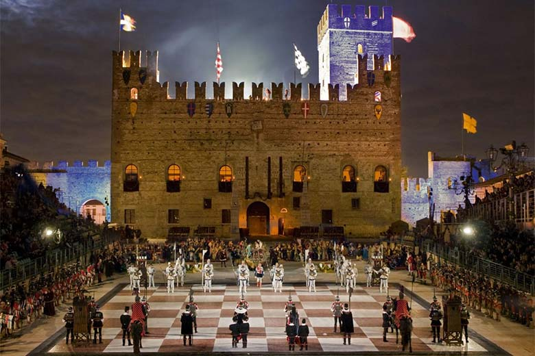 Chess games in Marostica