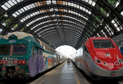 Photo: a Regionale and a Freccia train, both of Trenitalia. Picture by Mike Knell, 2.0 CC license