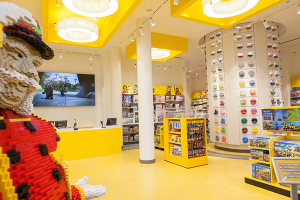 Lego opens new flagship milan store in san babila where for Lago store outlet