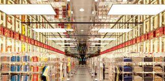Uniqlo the store inside