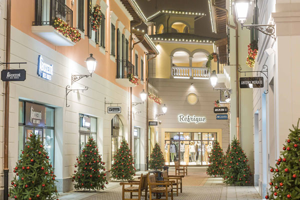Christmas 2016 at serravalle designer outlet where milan for Outlet design milano