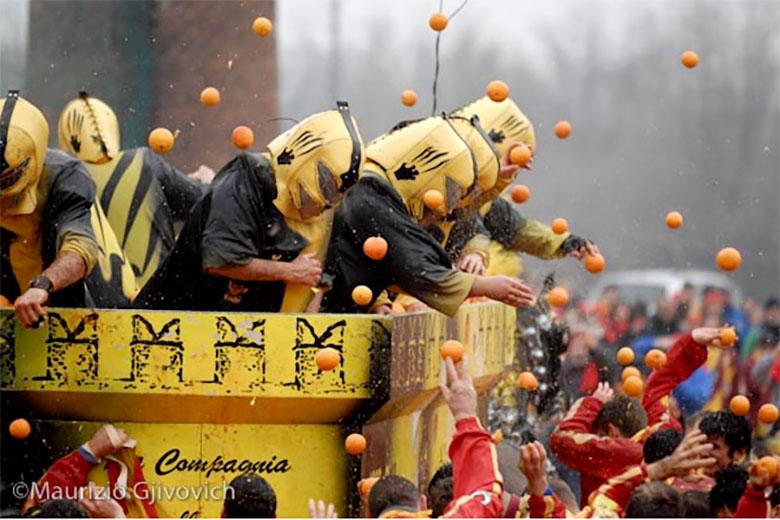Carnival in Ivrea, photo credits Maurizio Gjivovich