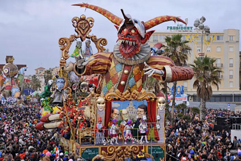A cart at Viareggio Carnival