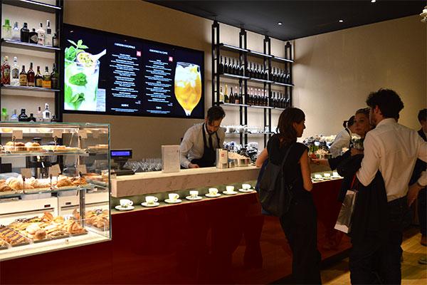 Illy-Cafe-Montenapoleone-Gminero