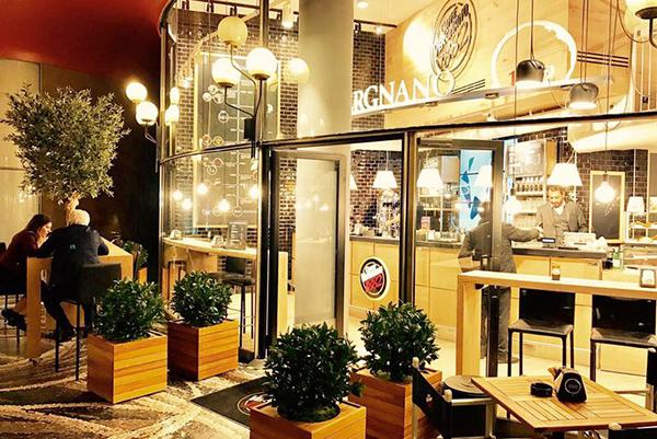 coffee-shop-san-babila