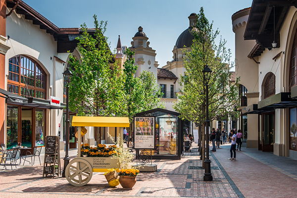 Lifestyle experience at fidenza village where milan for Milan outlet shopping