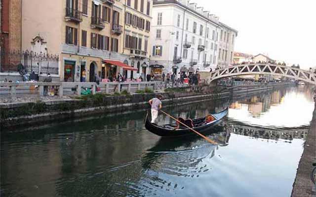 Gondola by Canottieri San Cristoforo