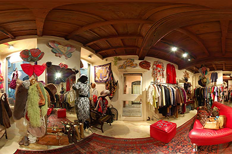 Cameo Vintage Store in Milan