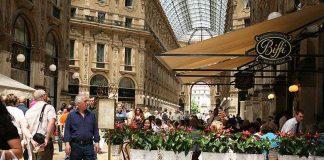 Dining in Galleria Vittorio Emanuele , credits Elena Chochkova under c.c 3.0 licence
