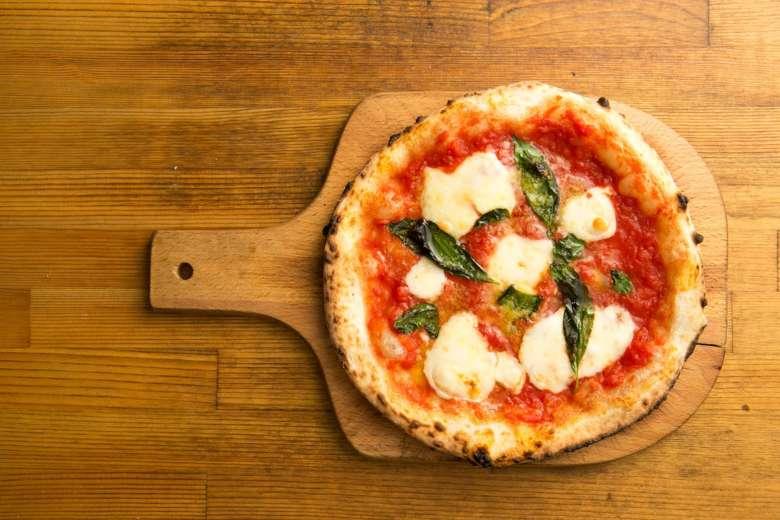 Neapolitan pizza in Milan