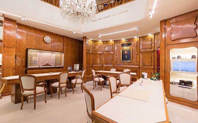 Inside Gobbi 1842, Rolex retailer