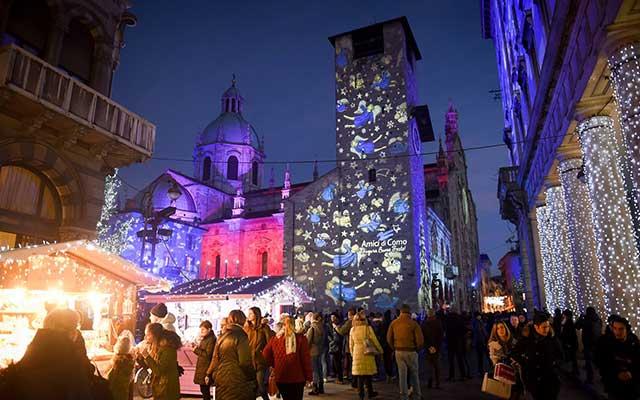 Christmas lights in Como - photo by Cittadeibalocchi