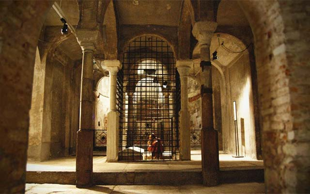 Crypt of San Sepolcro