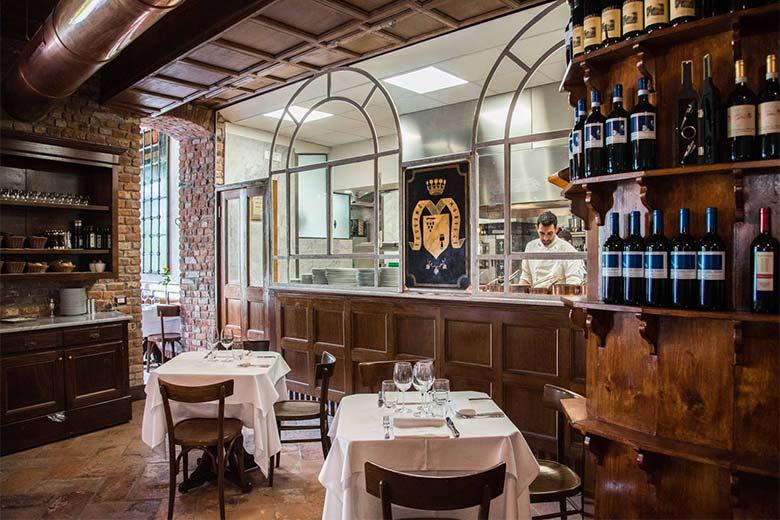 The interior spaces of Taverna Moriggi