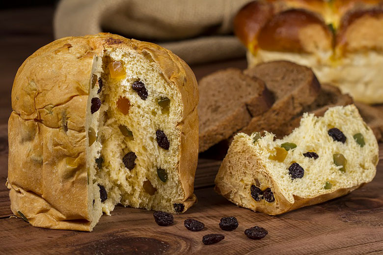 The traditional panettone with raisins and candied fruit