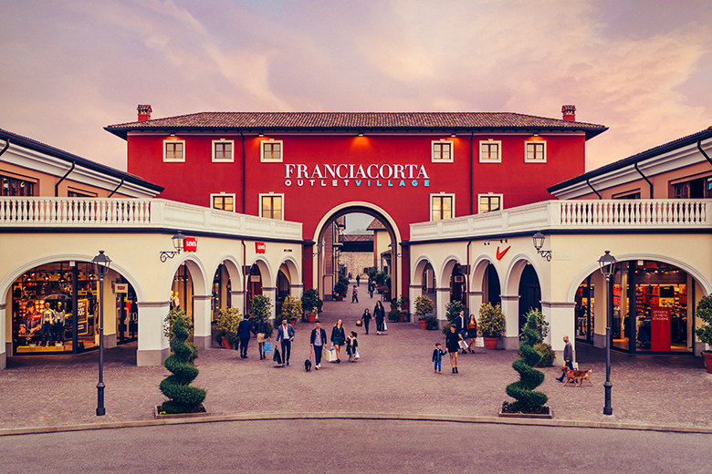 The facade of Franciacorta Outlet Village