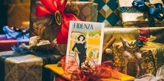 Gift wrapping at Fidenza Village