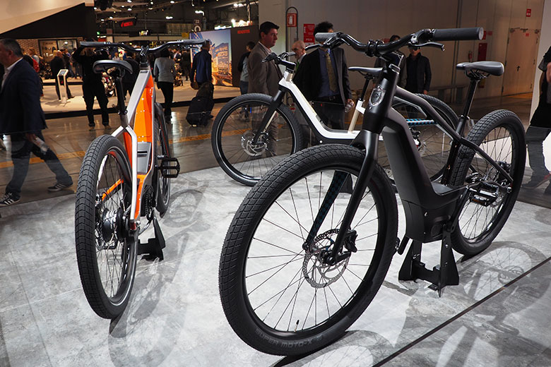 Electric Bikes (c) Gminero - Where Milan
