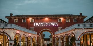 Christmas lights at Franciacorta Outlet Village