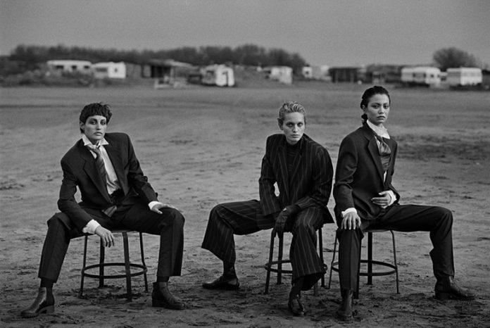 Alessandra Carlsson, Beri Smither, Harue Miyamoto Beauduc 1989. Photo by Peter Lindbergh. Emporio Armani Magazine #10