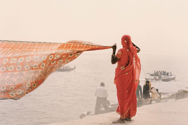 Varanasi, India, 2008 (c) Giulio Di Sturco