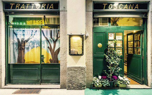 The entrance to Trattoria Toscana Torre di Pisa