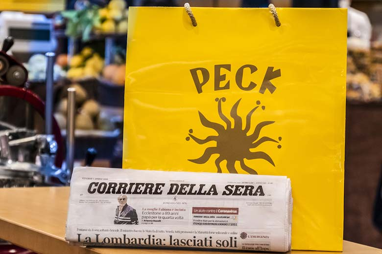 Food and magazine delivery by Peck and Corriere della Sera