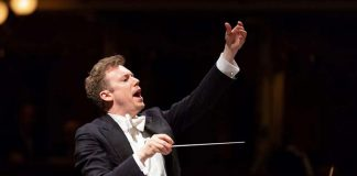 Daniel Harding conducting the Filarmonica della Scala (c) MusicEmotion