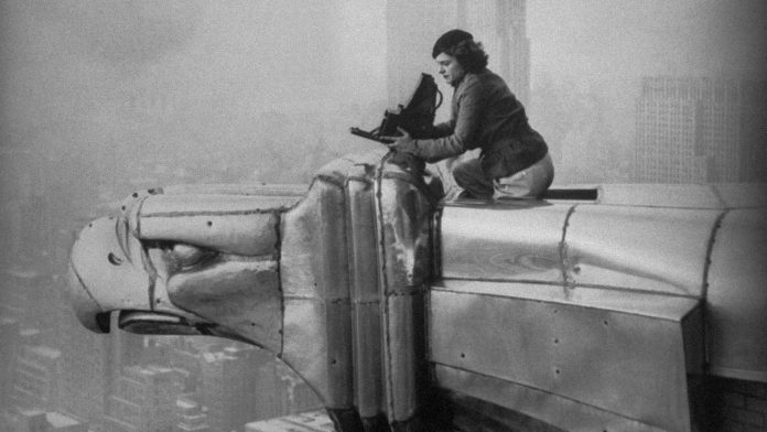 Margaret Bourke-White at work on the Chrysler building, New York City, 1934 © Oscar Graubner Courtesy Estate of Margaret Bourke White