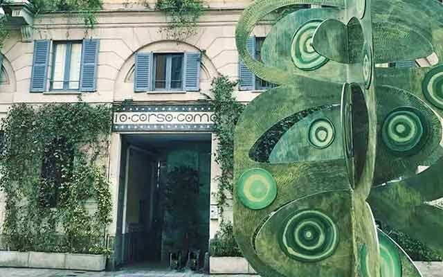 The facade of 10 Corso Como