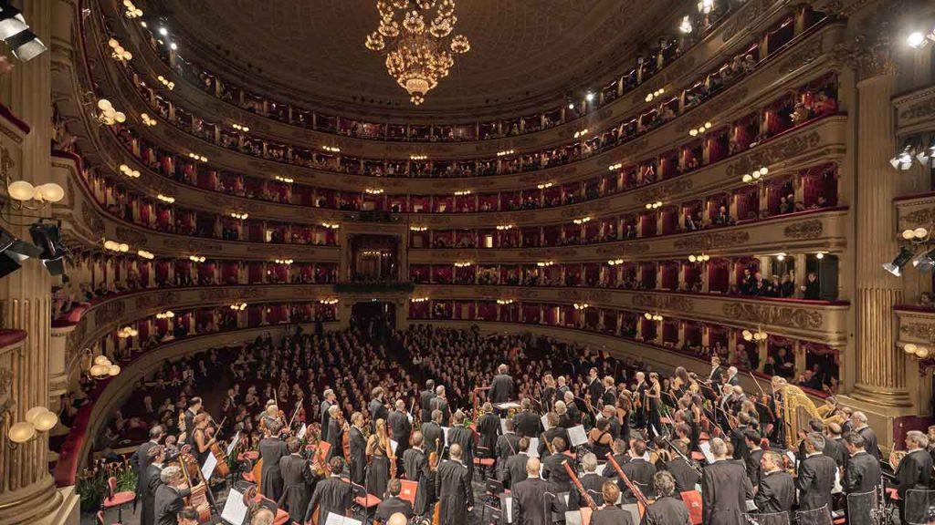 Riccardo Chailly conducting the Filarmonica della Scala © Hanninen