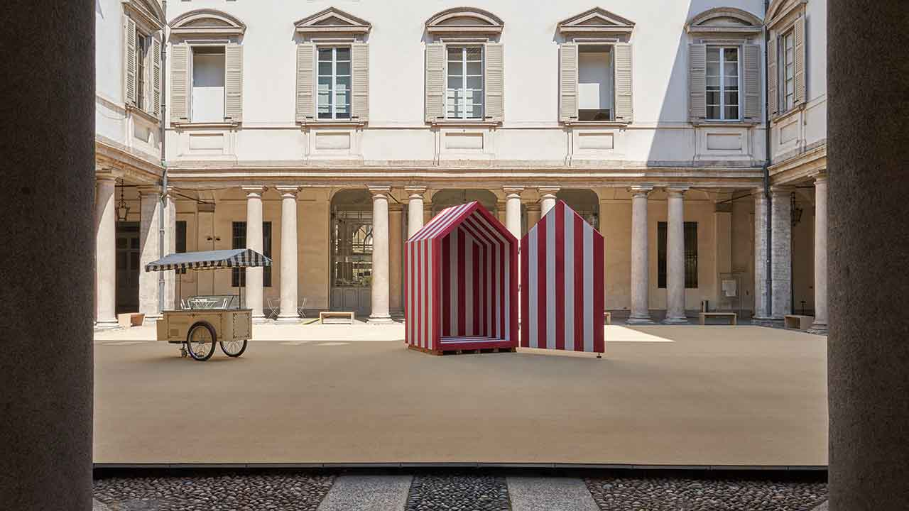 """The installation """"A Beach in the Baroque"""" by Aires Mateus from Fuorisalone 2021. Photo credits (c) Sistemamanifesto"""