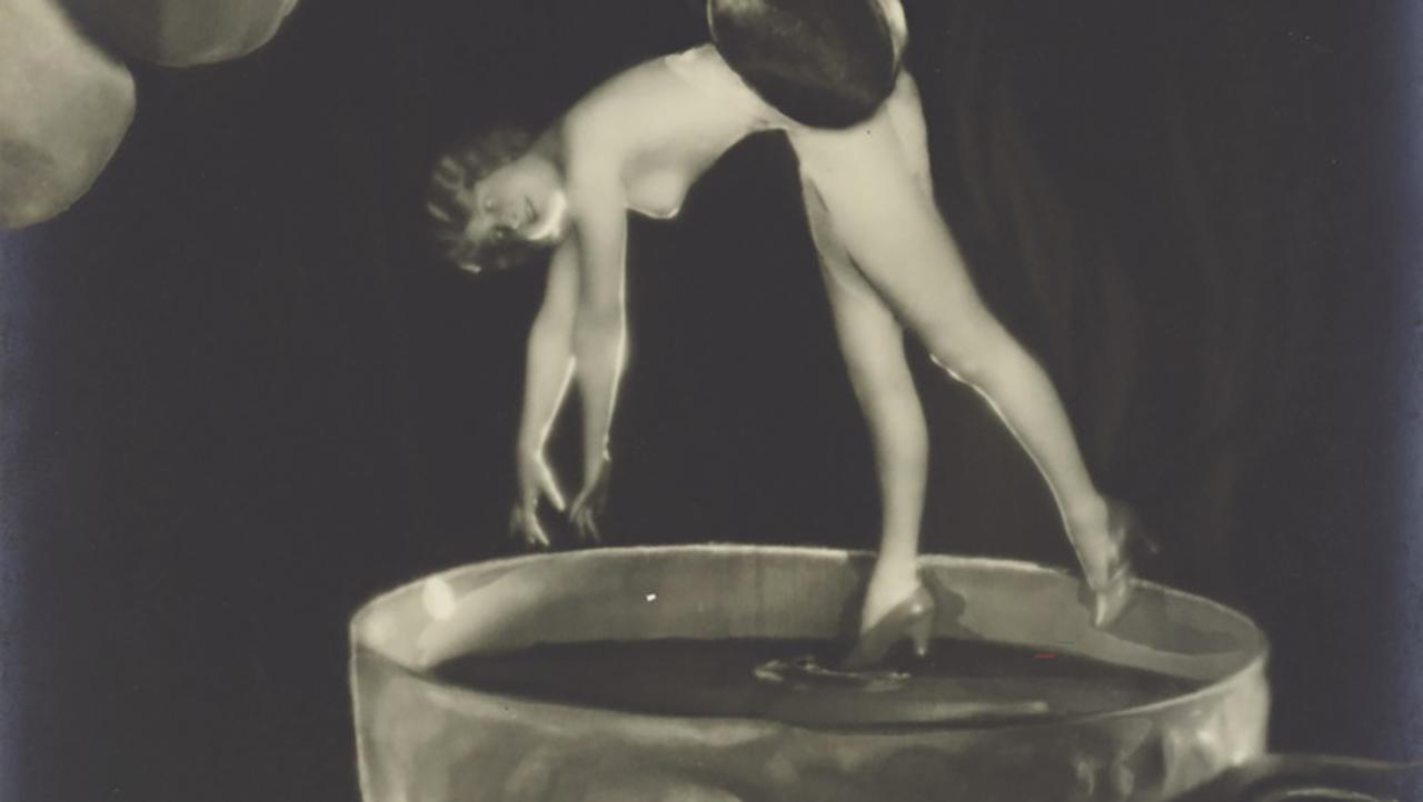 "Manassè Studio, Mein Zukerl, 1926, 15,8x11,2, stampa alla gelatina ai salid'argento, vintage - a detail of the work. For the exhibition ""Le Donne e la Fotografia"""
